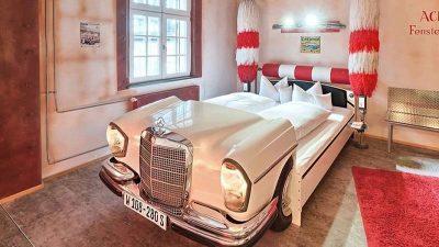 Eski Mercedes Arabaları Kullanarak Dekorasyona Katkıda Bulunmak