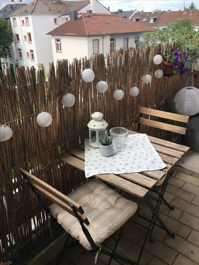 balkon korkuluklarını bambu ile kaplamak
